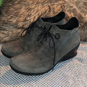 WOLKI WOMENS GRAY LEATHER BOOTIES SIZE 41